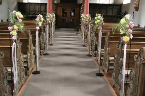 Decoration De Chaise D Eglise Pour Mariage